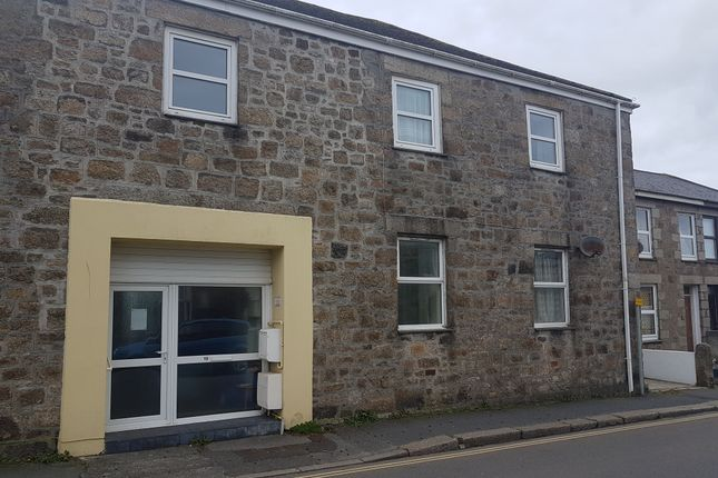 2 bed flat to rent in Wellington Road, Camborne