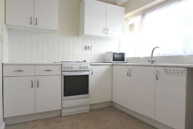 Thumbnail Flat to rent in Kirton Way, Houghton Regis, Dunstable