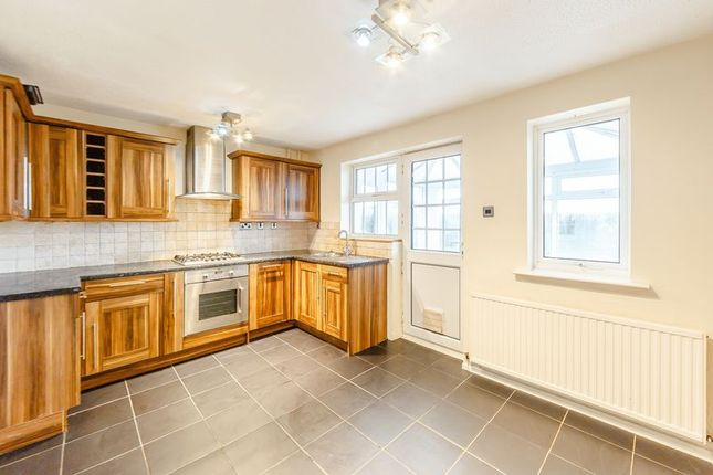3 bed semi detached house for sale in acorn avenue giltbrook