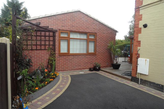 Thumbnail 3 bed bungalow to rent in Western Road, Mickleover, Derby