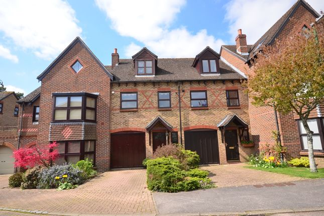 Thumbnail Town house to rent in Woodlands Lane, Chichester