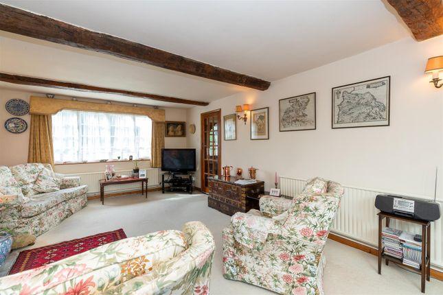 CV348Xg-18 of Dormer Cottage, Pebworth, Stratford-Upon-Avon CV37