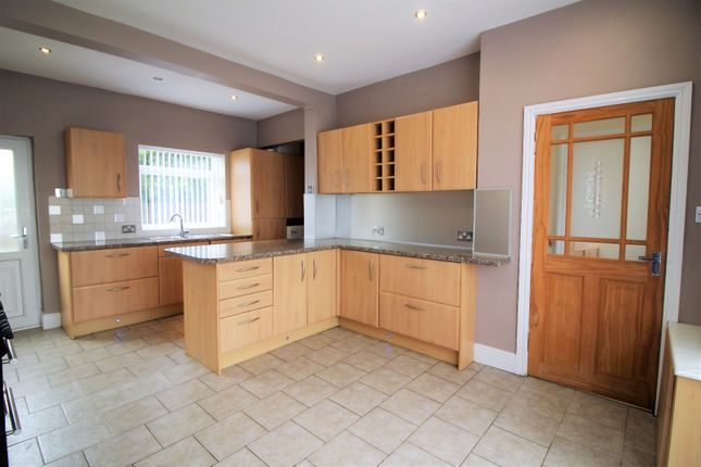 Thumbnail Semi-detached house to rent in Rossendale Avenue North, Thornton-Cleveleys, Lancashire