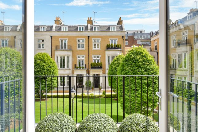 Thumbnail End terrace house to rent in Wycombe Square, Holland Park, London