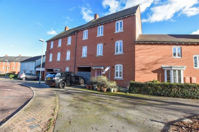 Thumbnail Town house for sale in Abbey Field View, Colchester, Essex