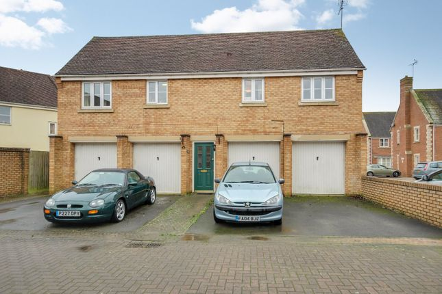 Picture No. 01 of Minnow Close, Oakhurst, Swindon, Wiltshire SN25