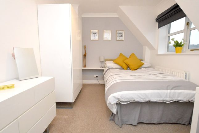 Picture No. 27 of September Cottage Selsley Road, North Woodchester, Stroud, Gloucestershire GL5