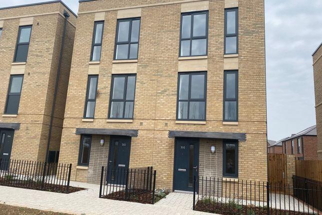 Thumbnail Semi-detached house to rent in Osprey Drive, Trumpington, Cambridge
