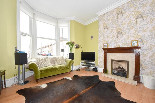 Thumbnail Town house for sale in Forfield Place, Leamington Spa