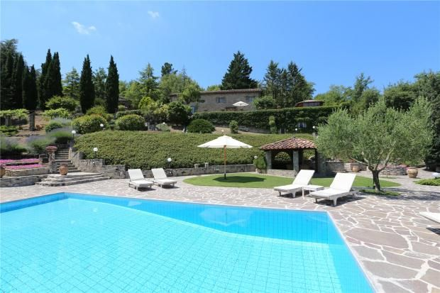 5 bed country house for sale in Casa Rossetti, Near Umbertide, Umbria, Italy