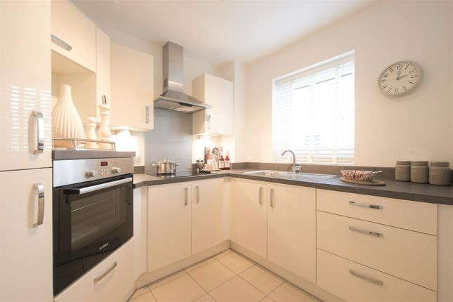 Thumbnail Flat for sale in Bakers Way, Pinhoe, Exeter