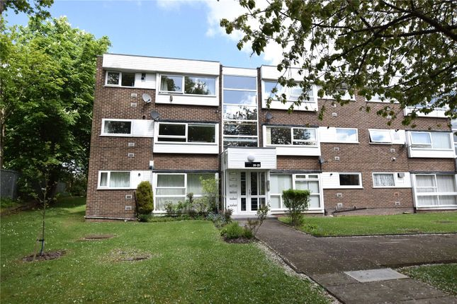 2 bed flat for sale in The Moorlands, Leeds, West Yorkshire LS17