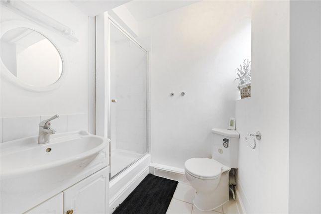 Bathroom of Chesterfield House, Chesterfield Gardens, Mayfair, London W1J