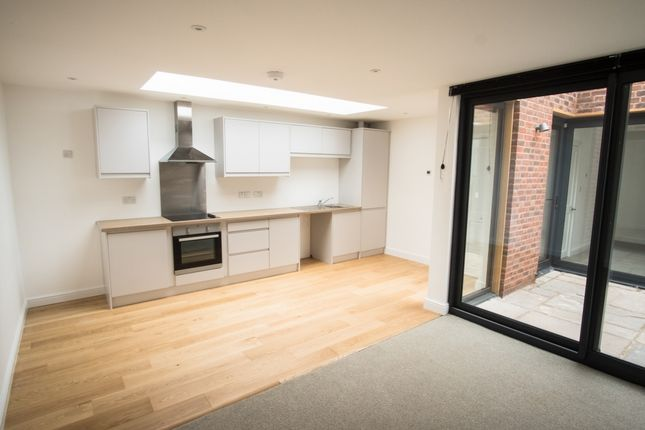 Thumbnail Bungalow to rent in High Street, Ross On Wye