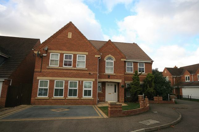 5 bed detached house to rent in Villa Way, Wootton, Northampton NN4