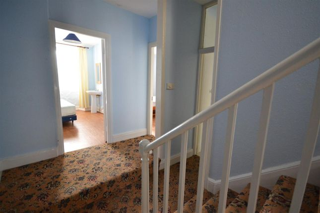 Albany terrace haverfordwest sa61 7 bedroom town house for 16 camp terrace albany ny