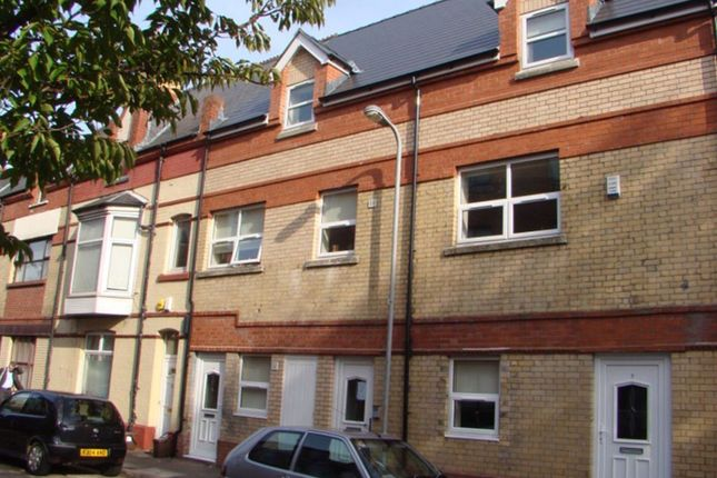 1 bed flat to rent in Hunter Street, Cardiff CF10