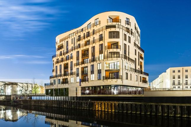 """Thumbnail Flat for sale in """"Sovereign Point"""" at Victoria Bridge Road, Bath"""