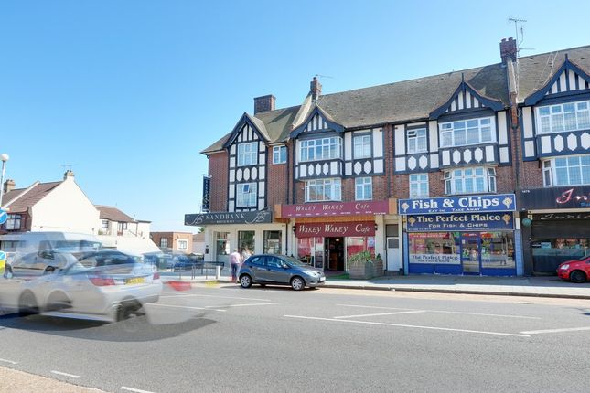 2 bed flat for sale in London Road, Leigh-On-Sea