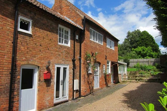 Thumbnail Cottage to rent in Main Street, Woodborough, Nottingham