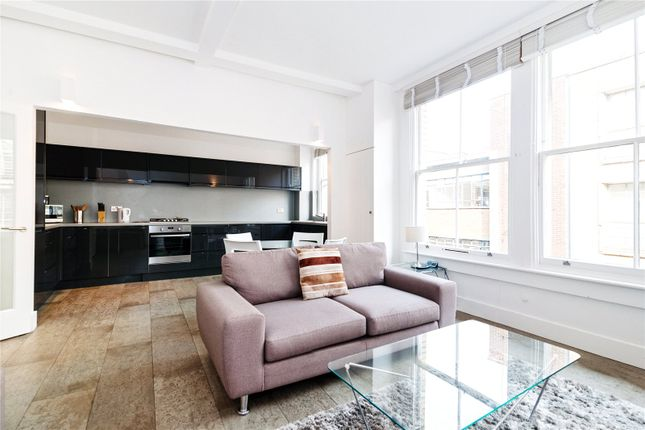 Thumbnail Flat to rent in Great Sutton Street, London