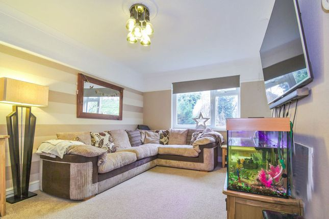 Thumbnail Flat for sale in Revell Rise, Plumstead