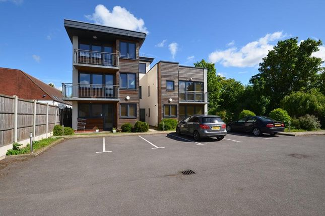 Thumbnail Flat to rent in Lorcan Court, 472 Bath Road, West Drayton