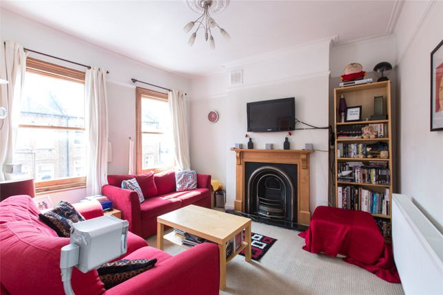 Thumbnail Flat to rent in Tremadoc Road, Clapham, London