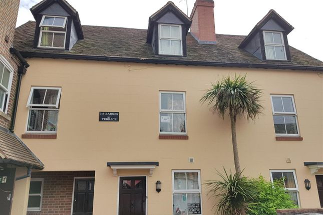 2 bed terraced house to rent in St. Michaels Road, Newbury