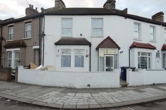 Thumbnail Terraced house for sale in Salisbury Road, Southall, Middlesex