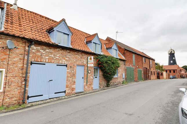 Thumbnail Terraced house for sale in Castledyke South, Barton-Upon-Humber
