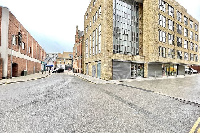 Thumbnail Flat to rent in East Street, Barking