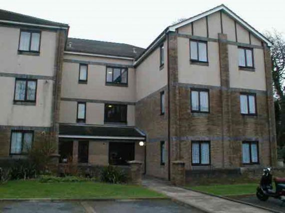 Thumbnail Flat to rent in Royal Court, Royal Avenue, Onchan