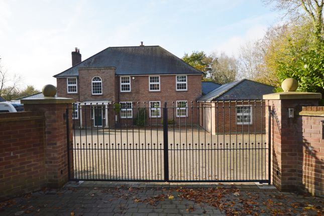 Thumbnail Detached house for sale in Manor Lodge Road, Rowlands Castle