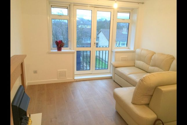 Thumbnail Flat to rent in Hoskins Close, Hayes
