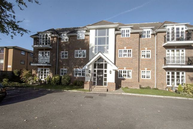 Thumbnail Flat to rent in Rydens Road, Walton-On-Thames