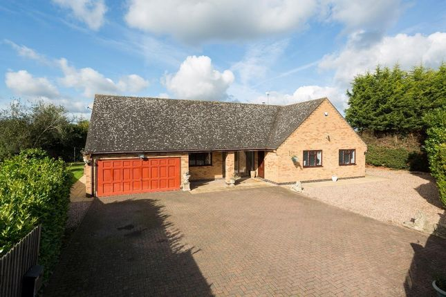 Thumbnail Detached bungalow for sale in Oxford Road, Ryton On Dunsmore, Coventry