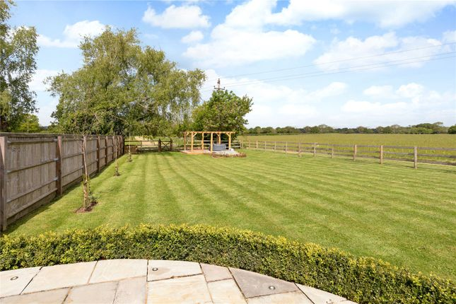 Garden of Barton-On-The-Heath, Moreton-In-Marsh, Gloucestershire GL56