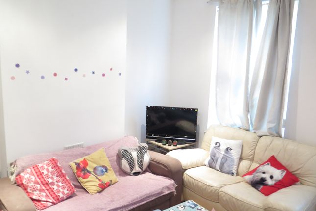 3 bed terraced house to rent in Royal Park Road, Leeds LS6