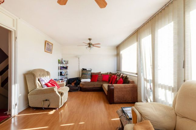 Thumbnail Flat for sale in Cressingham Grove, Sutton