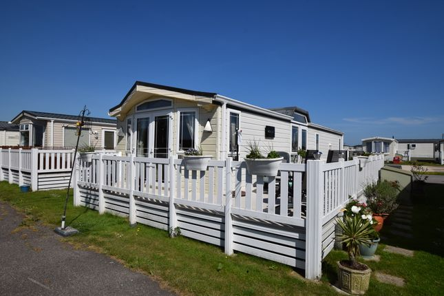 2 bed mobile/park home for sale in Martello Beach, Pevensey Bay