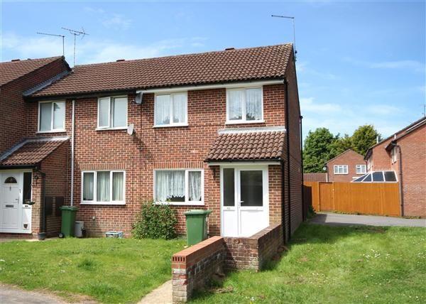 Thumbnail Property to rent in Sunbury Close, Bordon