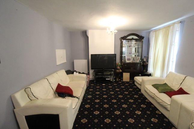 Three Bedroom Flat To Rent In Brockley
