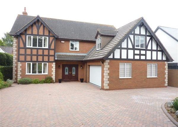 Thumbnail Detached house for sale in Humberston Avenue, Humberston, Grimsby