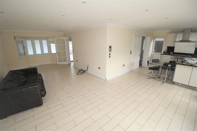 Living Room of Eden Park, Cheadle Hulme, Sk SK8