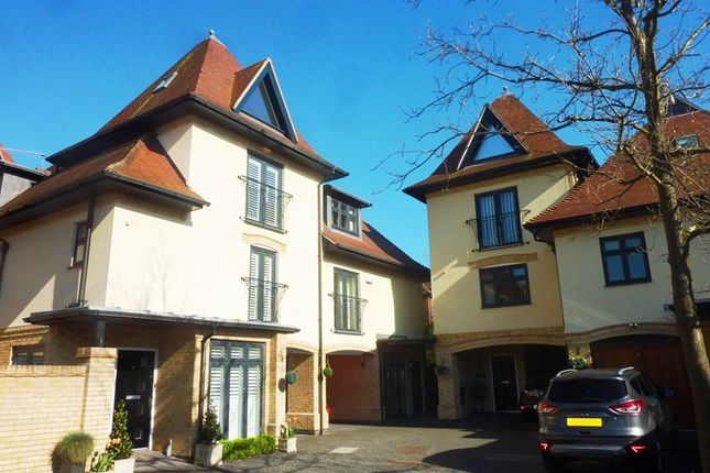 Thumbnail Town house for sale in Wyndham Road, Parkstone, Poole