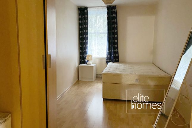 Studio to rent in Islay Walk, London N1