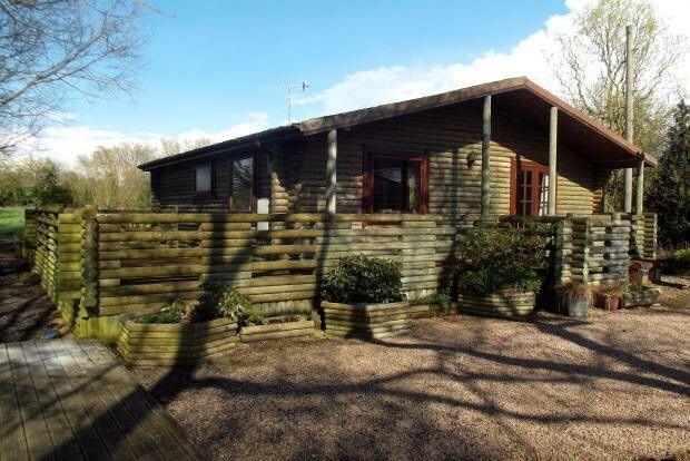 Thumbnail Bungalow to rent in Whitford Bridge Road, Stoke Prior, Stoke Prior, Bromsgrove