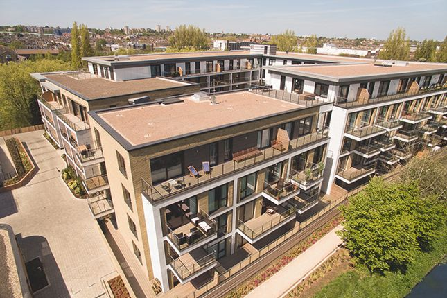 Thumbnail Town house for sale in Westfield Waterside, Knaresborough Drive, Earlsfield, London