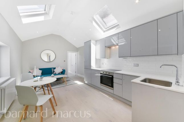 Flat to rent in East Street, Epsom